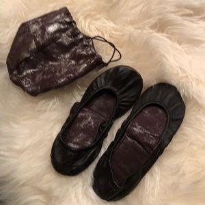 GAP Foldable Leather Flat Size 8.5
